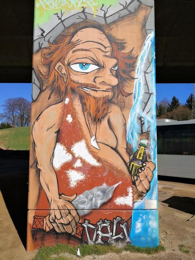 Graffiti an der Autobahnbrücke über die Düssel - hier beginnt das Neandertal