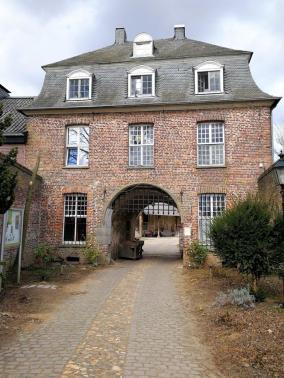 Das Torhaus des ehemaligen Klosters Graefenthal