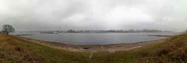 Panoramabild vom Rheinufer