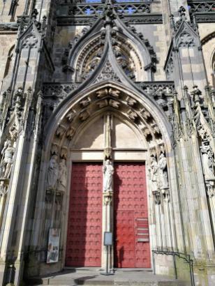 Portal des Doms