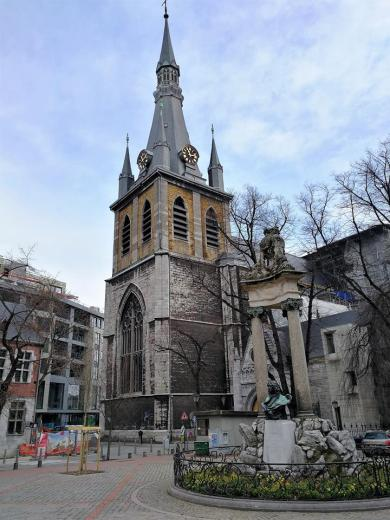 Platz vor der Kathedrale Stain-Pauil de Liege