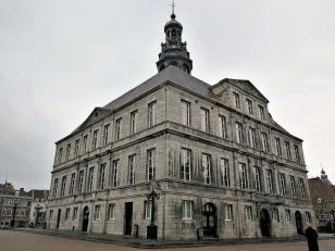 Rückseite des Rathauses