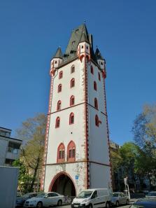 Der Holzturm, ein mittelalterlicher Stadtturm nicht aus Holz, sondern aus Stein