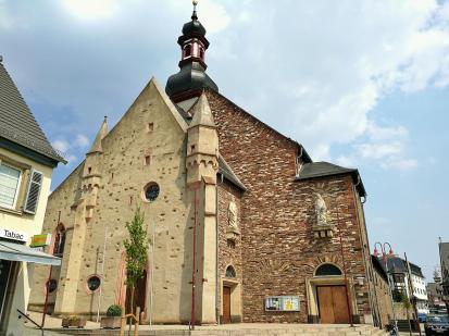 Die katholische Pfarrkirche St. Jakobus aus dem 15. Jahrhundert