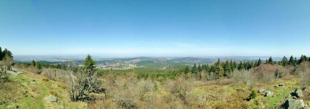 Panoramablick vom Feldberg-Gipfel nach Norder in den Hochtaunus
