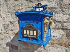 Historischer Briefkasten auf der Zitadelle Petersberg