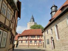Blick aus der Altstadt auf den Rabenturm