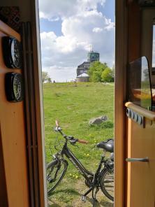 Blick aus dem Wohnmobil auf dem Astenturm