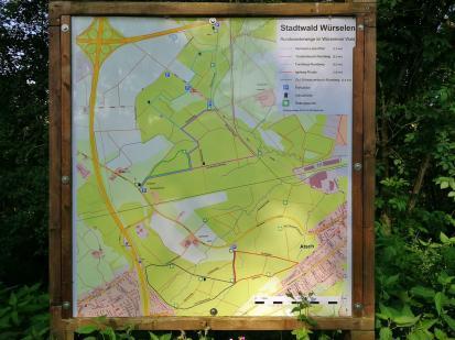 Wir starten am Westrand es Propsteier Waldes, der hier als Würselener Stadtwald geführt wird