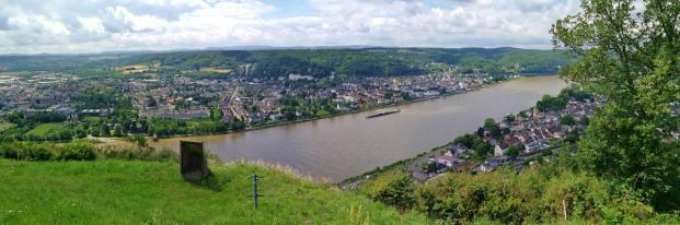Panoramablick von der Erpeler Ley ins Rheintal