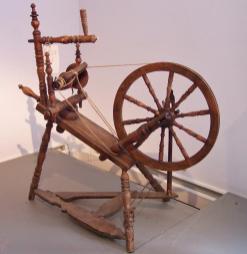 Spinnrad (Foto Stahlkocher| http://commons.wikimedia.org | Lizenz: Creative Commons Attribution-Share Alike 3.0 Unported)