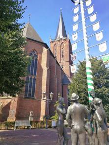 Die St.-Martinus-Kirche in Niederelten