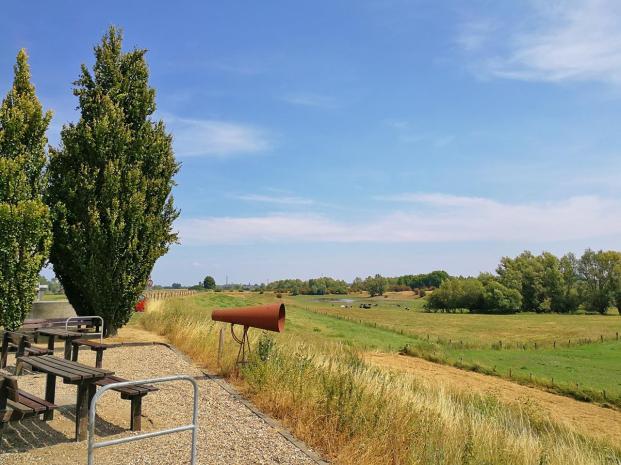 Blick vom Rheindeich auf die Emmericher Ward