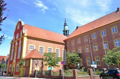 Die Residenz, heutiger Sitz der Verwaltung und des Rektorates des Windhorstgymnasiums