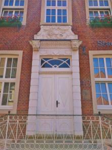 Portal des Zeughauses, heute Sitz der Stadtverwaltung