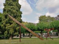 Kunstinstallation auf dem Gelände der ehemaligen Abtei
