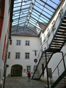 Klosterpforte mit der Ackermann-Treppe