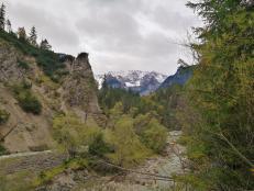 Blick talaufwärts in das Wettersteingebirge