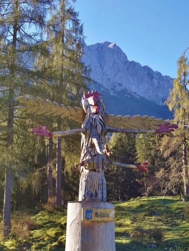 Skultpur auf dem Erlebnispfrad hinter Hammersbach