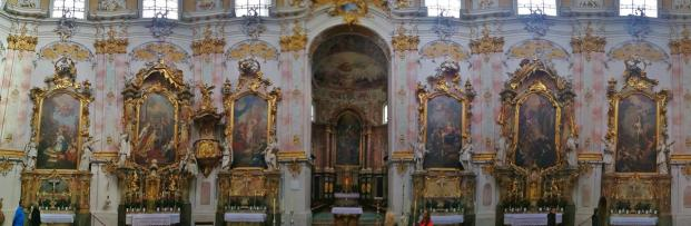 Panoramabild aus dem Innenraum der Klosterkirche