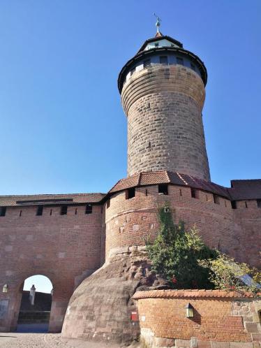 Blick von der Freiung auf den Sinwellturm
