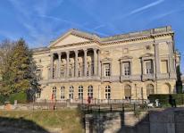 """Rückseite des Gerichts im historischen """"Hof von Beroep"""" an der Leie"""