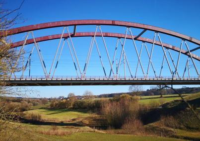 Eisenbahnbrücke der Schnellzugverbindung von Brüssel nach Aachen