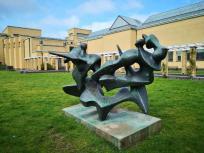 Kunst im Garten des Gemeentemuseum
