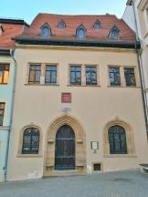In diesem Haus mit Blick auf die Andreaskirche verstarb Luther im Jahre 1524