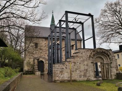 Die im Zweiten Weltkrieg schwer zerstörte evangelisch-lutherische, Frauenbergkirche St. Maria auf dem Berg
