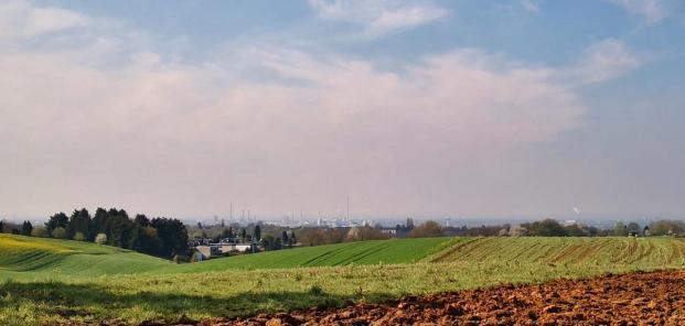 Fernblicke von den Höhen in Richtung der Leverkusener Bayer-Werke