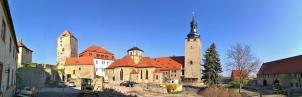 Panoramabild von der Baustelle im Innenhof der Burg