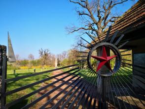Ein Sowjetishher Soldatenfriedhof ohne rotem Stern - den gibt es nicht