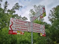 Durch den Park verläuft auch der Emscher-Radweg, der viele Ziele der Region mitaeinander verbindet