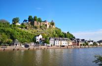 Blick von der Saarbrücke zur Saarburg