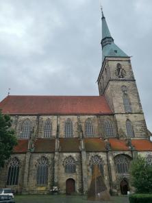 Die St.-Andreas-Kirche mit dem höchsten Kirchturm Niedersachsens