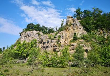 Steinbruch auf dem Weg hinauf zum Hauptkamm