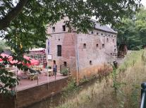 Historische Mühle an der Maas