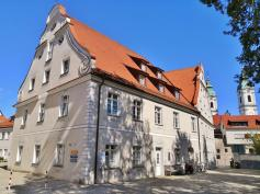 Ehemaliger Marstall neben dem Schloss