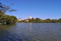 Der Stadtsee neben der historischen Altstadt von Bad Waldsee
