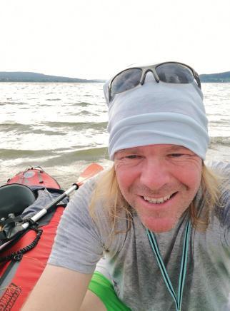 Am Nachmittag baue ich mein Faltboot auf und gehe auf dem See paddeln