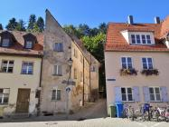 """Häuser an der Straße """"unter dem Berg"""""""