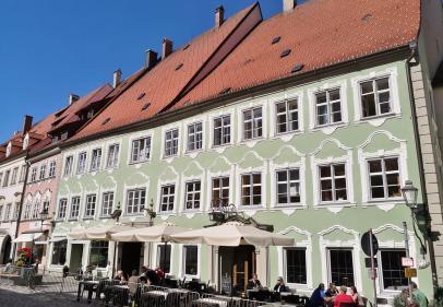 Prächtiges Haus gegenüber des Alten Rathaus