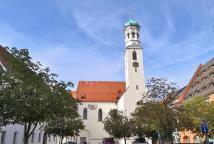 Die ehemliage Kreuzherrnkirche St. Peter und Paul