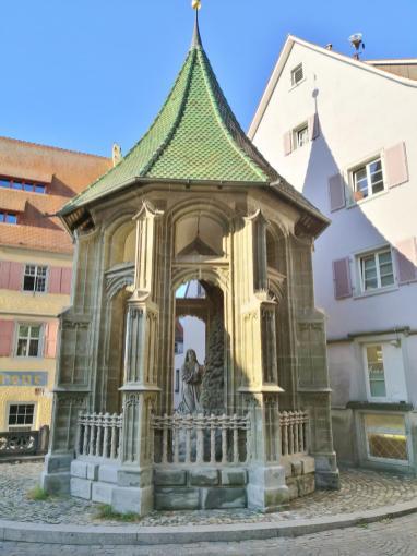Die Ölbergkapelle vor derm Münster St. Nikolaus