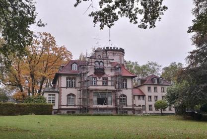 Gerade eingerüstet: Die Villa Grillo am Morper Park