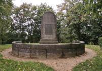 Denkmal für Johanna Sebus, eine junge Frau aus Wardhausen, die bei einem Rheinhochwasser ihre Mutter vor den Fluten rettete und anschließend selbst ertrank, als sie einer weiteren Familie helfen wollte