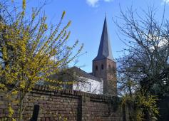 Befestigung rund um die Kirche
