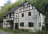 Verfallenes Haus an der Urfter Mühle