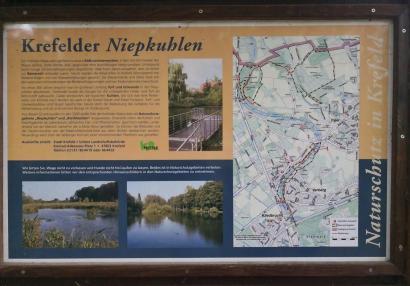 Karte der Niepkuhlen, eine verlandete Altstromrinne des Rheins, die sich als sumpfige Niederung von Krefeld Vluyn zieht
